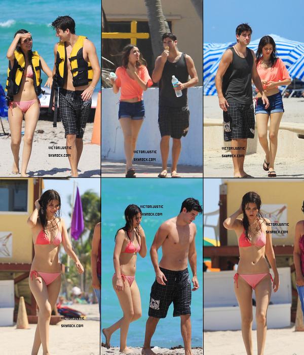 Victoria passant sa journer sur la plage de Miami, en Floride le 21 Août.