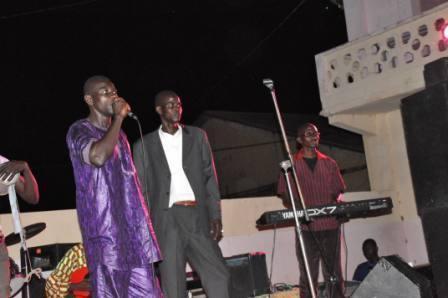 Mbaye Ndiaye Tilala sort Lambji Mardi 10 Mai 2011 Le chanteur saint-louisien Mbaye Ndiaye Tilala vient de sortir un single consacré à la lutte.