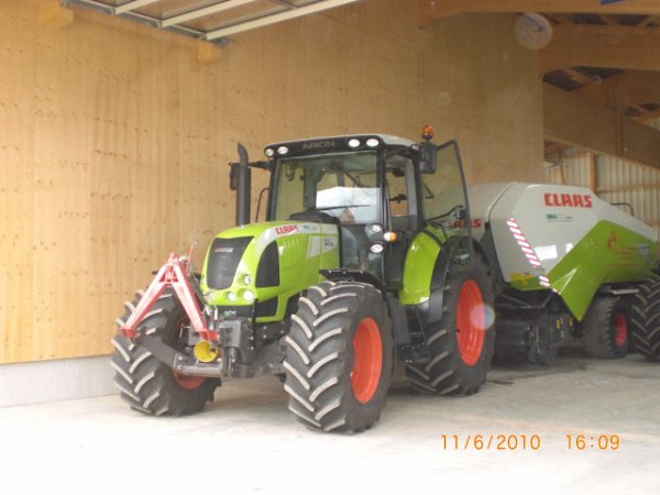 claas arion 640  avec la quadrant 3200