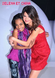 China et Selena Gomez  ♥