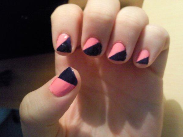 mon nail art bleu et rose