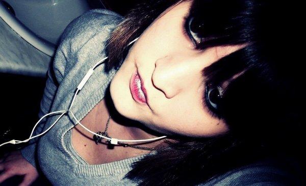 .  Coralie.x.21 ans.x.Limoges.x.En Couple.. ♥     .
