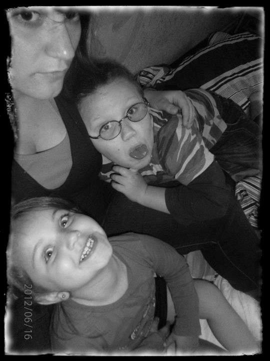 Mon neveu && ma nièce , les seuls qui me donne la force d'avancé aujourd'hui ♥