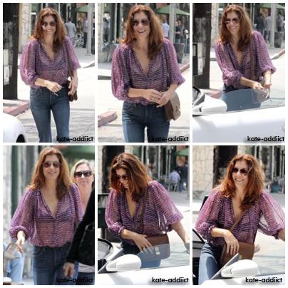 K A T E - A D I I C T Notre Kate a été vu sortant de Little Dom's à Los Feliz après le déjeuner le 20 mai 2011 (Flashback)