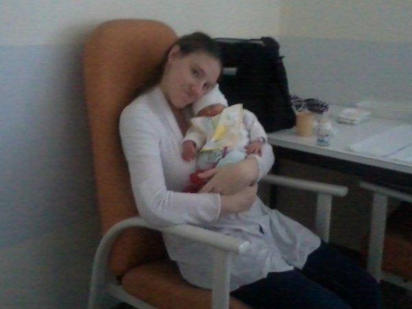 moi et ma 2ème fille elle s'appelle alicia louna zoé