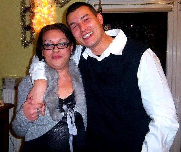 Mon frère et sa copine. <3