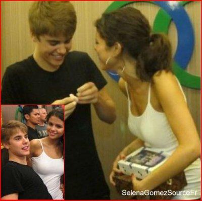 Lundi 25 Avril: 2 nouvelle photos de Justin & Selena on fait leur apparitions sur la toile.