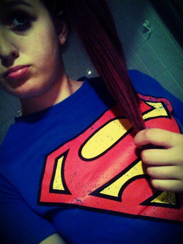 J'me prenait pour SuperMan, alors que dans mon coeur, ça va SuperMal..