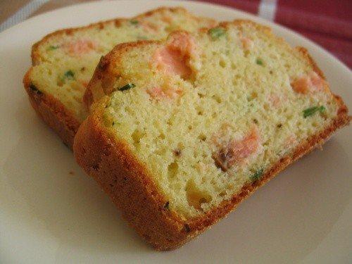 RECETTE DU CAKE AU SAUMON