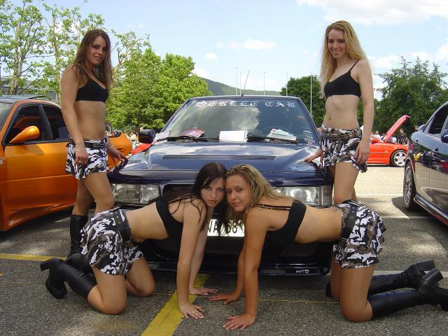 CLUB STREET CAR