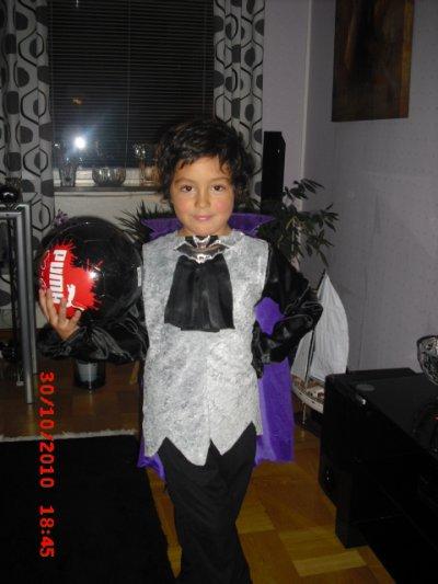 Viktor vampyr på halloween