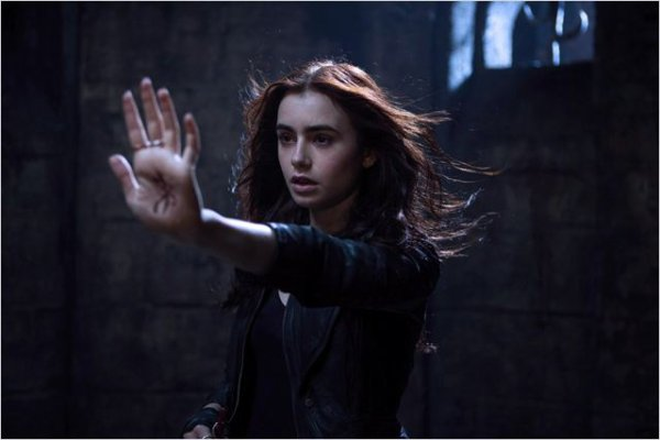 Lily Collins / Clary Fray