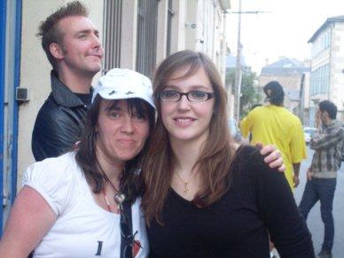 [25.07.2008] Claire-Marie Bron & Moi devant le restau à Limoges ^^...