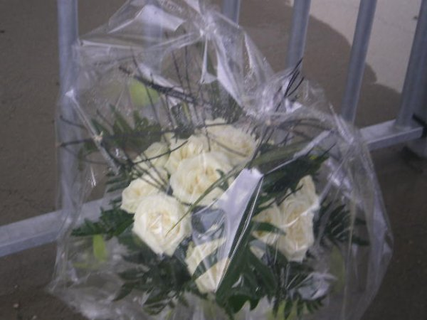 [29.04.2008] Le bouquet offert par les membres du Forum à Quentin Mosimann x3 ^^...