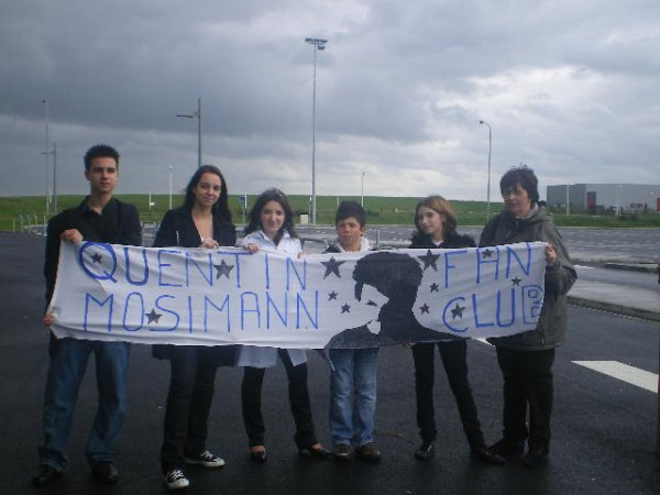 [29.04.2008] Les Membres du Forum de Mister Quentin Mosimann nous dévoilent leur banderole de soutien ^^...