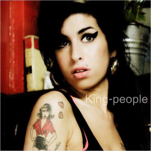 /!\ Amy Winehouse a été retrouvée morte chez elle samdi 23 Juillet 2011 pour des causes inconnu .. R.I.P