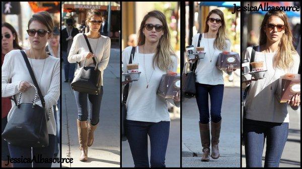 Mardi 11 Décembre Jessica allant chercher du café à Bevely Hills