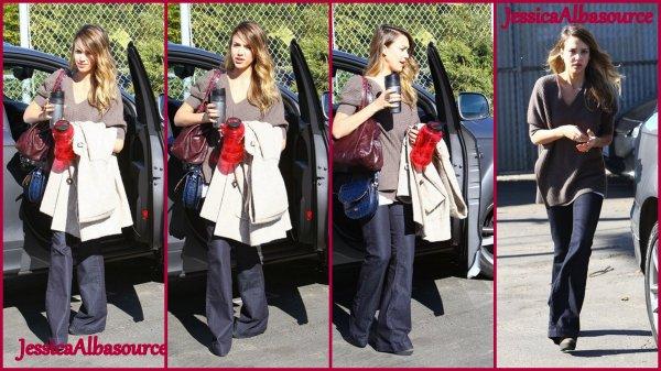 Vendredi 11 janvier Jessica allant a son bureau