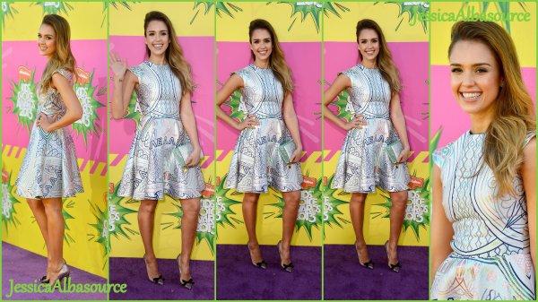 Samedi 23 mars Jessica a assistée à la 26éme édition des Kids Choice Award