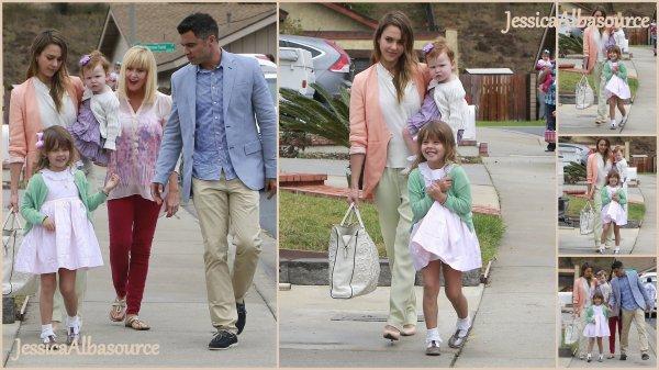 Dimanche 31 mars Jessica, Cash, Honnor et  Haven  sont allés à la maison de Pâques à Camarillo, en Californie + des photos persos trop belle .
