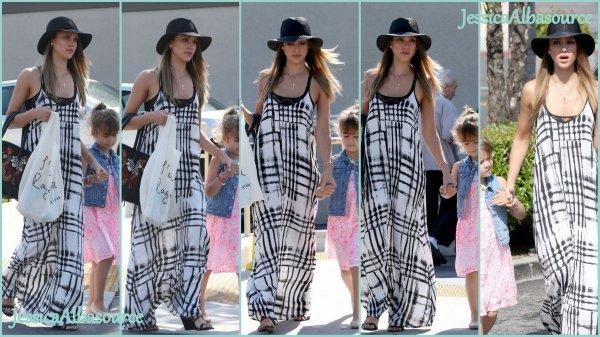 Samedi 11 mai Jessica et Honor sont allés dans un salon de coiffure et ensuite elles sont allées faire du shopping à West Hollywood