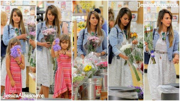 Dimanche 18 aout 2013 Jessica et Honor se sont rendu à Trader Joe's market à Westwood en Californie + le mardi 20 Jessica et Cash se sont rendu dans un centre médical UCLA à Los Angeles et enfin le Mercredi 21 Jessica s'est rendu à son bureau