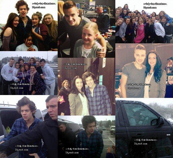 Le 23 Mars, Harry, Liam et Niall ont posés avec de nombreux fans à Birmingham.