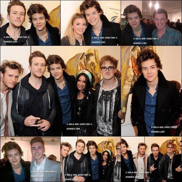 Découvrez les vidéos du concert le jeudi 04 avril à l'O2 Arena, Londres UK + les photos avec les fans.