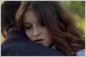 Anna fait semblant de dire adieu a Jonas