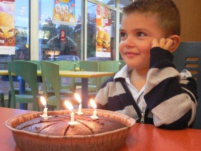 09 octobre 2009 4 ans 9 octobre 2010 5 ans  $)