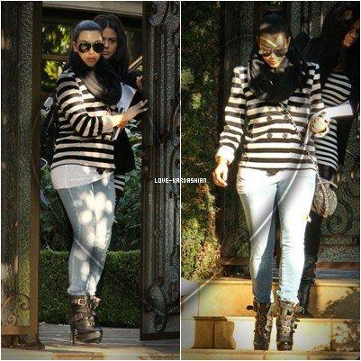 28/10/11 : Kim sortant de sa maison à L.A