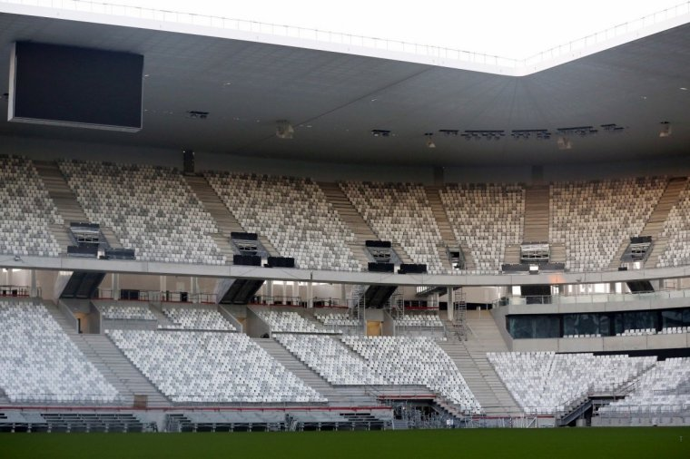 Vue rapprochée de l'intérieur du Nouveau Stade de Bordeaux :