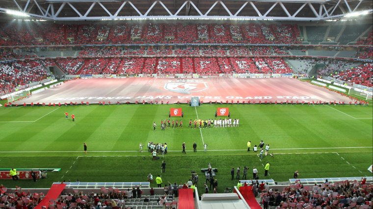 Vue de l'intérieur lors du premier match au Grand Stade Pierre Mauroy :