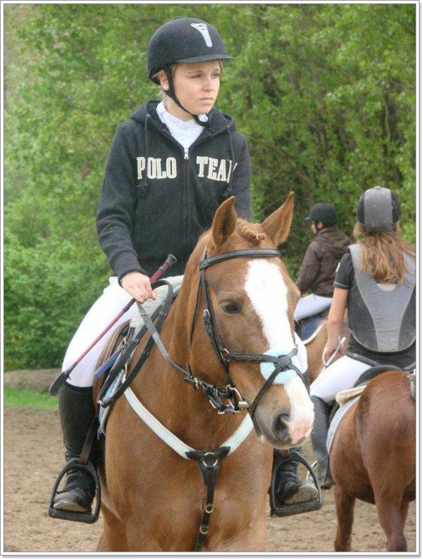 Un poney extraordinaire, sous la selle d'une cavalière bien ordinaire !