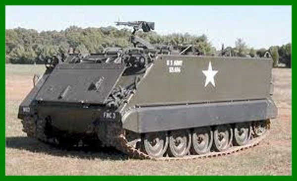 Blindé américain M3 A2 Bradley.