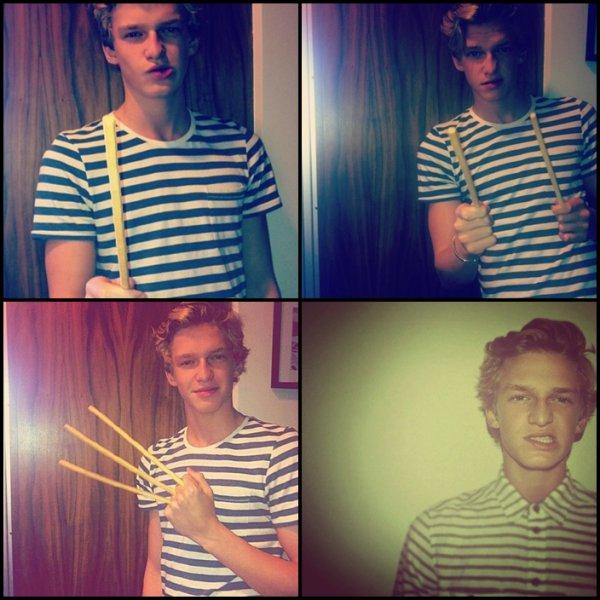""". 18 Juin : Cody c'est rendu dans les studios d'une radio cannadienne """" z103.5 """" pour interpréter son nouveau morceau.."""