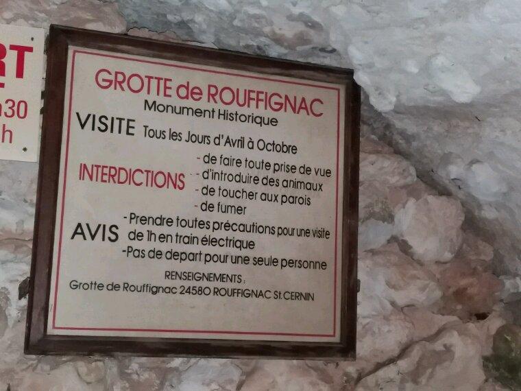 Grotte de roufignac. On visite en petit train électrique