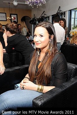 Demi pour un salon des MTV MOVIE AWARDS 2011 le 04/06/11