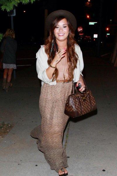 Demi hier a LA + la nouvelle chanson de Demi !