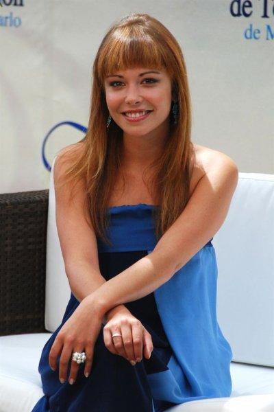 Dounia Coesens alias Johanna Marci fete sont anniverssaire ce Mardi 20 septembre 2011