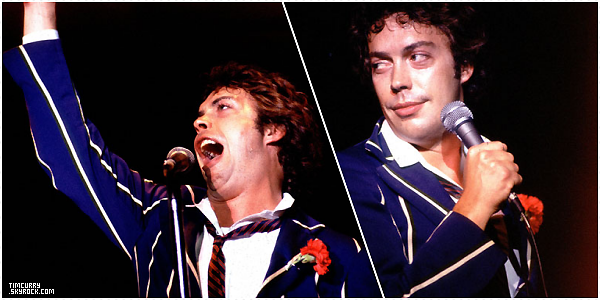 "01 Janvier 1978 - Tim était en live à Chicago pour le Read My Lips tour. Il a chanté ""I'm going home"" de RHPS."