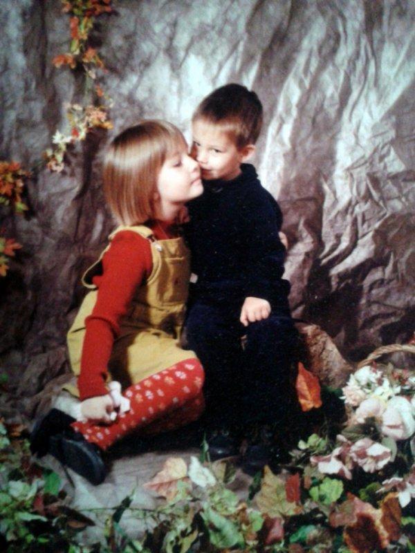 moi et mon petit frère <3
