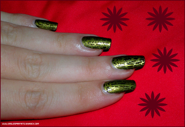 #. Vernis > Superposition - Vernis Crackle noir de Claire's (2)
