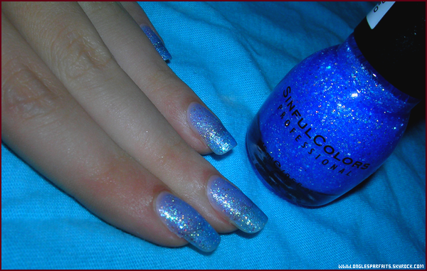 #. Vernis > Sinful Colors - Hottie (831)