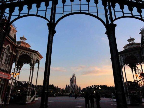 Tokyo Disneyland réouvert !