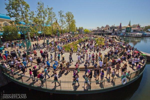 Phénomène obligatoire des ouverture de nouvelles attractions à Disneyland!!!