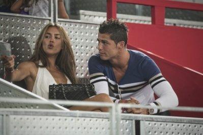 couple c.ronaldo 2010/9//5