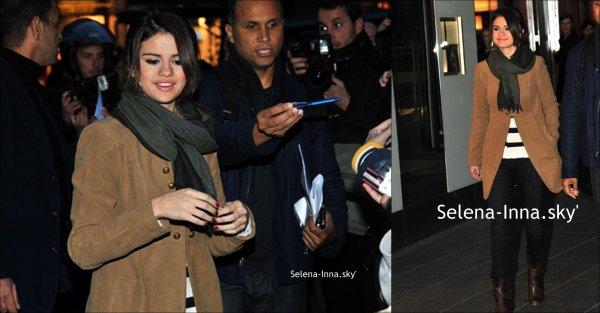 -19/10/2010:Selena Gomez leaving hotel in PARIS!-