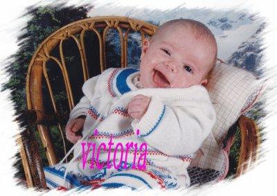 moi EN MODE bebe !!! et ma cheriie NOUNA <3