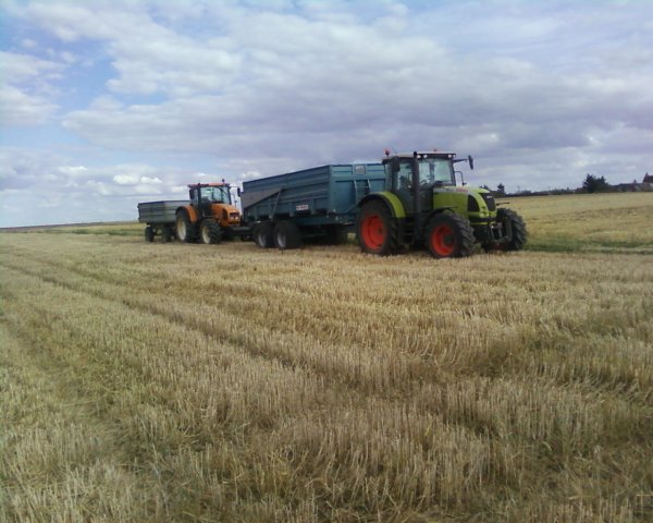 lexion 405 & claas ares 657 avec benne maupu 14 t & renault 640